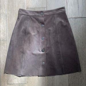 aritzia suede skirt size 00